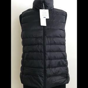 Uniqlo light down vest